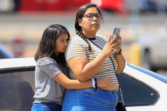 德州艾爾巴索一座購物中心3日發生槍擊事件,至少19死40傷,當局表示兇嫌已經被捕。(路透)