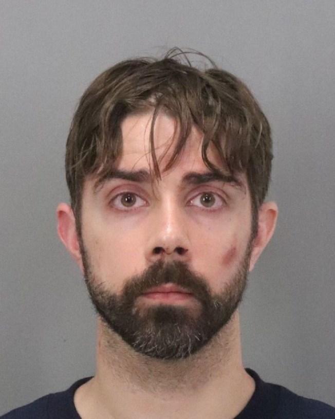 差點勒死女友的史密斯和警方對峙29小時後被捕。(巴洛阿圖警局提供)