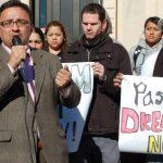 甘大為:川普和白人至上主義者以西裔移民為目標
