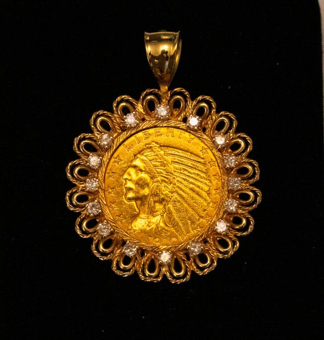1910年印第安人頭半鷹金幣配鑽石框(eBay上買的) 。(圖皆為作者提供)
