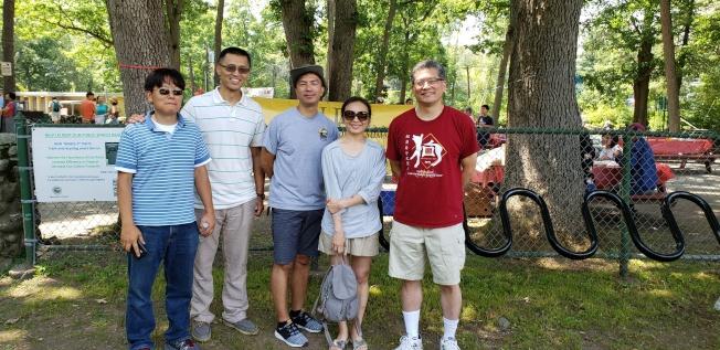 三位共同營主任(右起)崔鈺章、高士惠、趙銓雄,與兩位副營主任王志維、Ray 曾。(記者唐嘉麗/攝影)