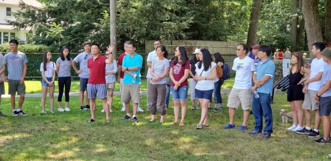 籌備會委員與輔導員們見面交流。(記者唐嘉麗/攝影)
