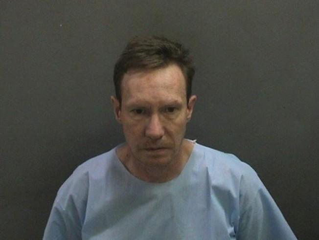 涉嫌殺妻並在保釋期間逃亡的新港灘市地產大亨查德維克。(新港灘警局提供)