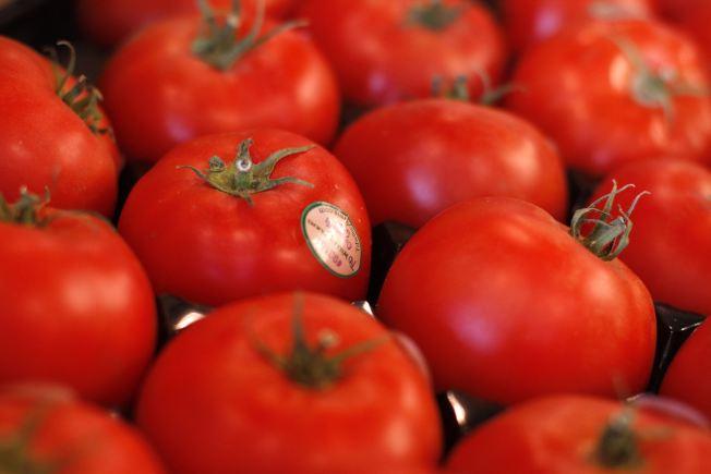 醫師叮嚀,番茄含有茄紅素,和南瓜子一樣有保護攝護腺的功效。(路透)