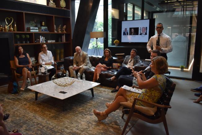 房產公司「Reuveni Real Estate」與紐約曼哈頓中城西的新開發案「Charlie West」共同舉辦的「房市現況」論壇,7日在紐約曼哈頓中城舉行。(記者顏嘉瑩/攝影)