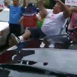 卡蘭扎座車被指撞倒示威者 駁「自導自演」