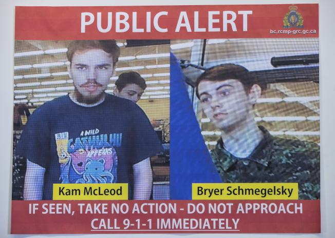涉嫌結夥殺害三人的兩名青少年嫌犯,是加拿大皇家騎警全面追緝的要犯。(美聯社)
