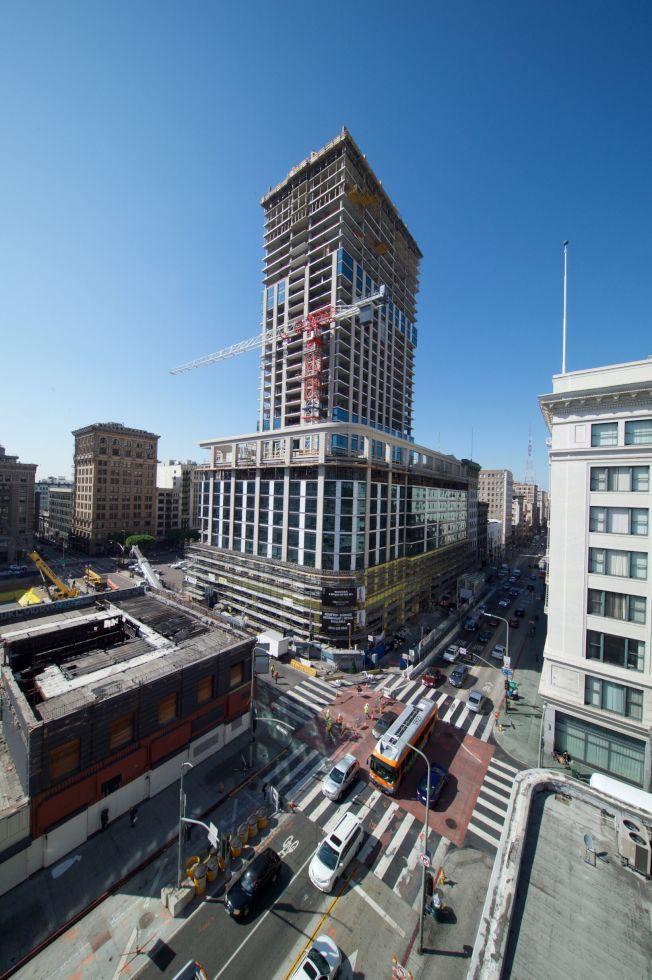位於洛杉磯市中心的高檔住商兩用開發案Perla,將於2020年底竣工。(SCGA提供)