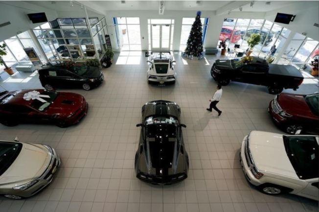 買車時須留心經銷商的話術。路透。