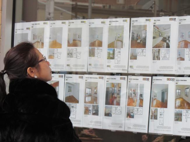 專家預測,由於房屋供過於求,在未來十年後庫存消耗後,將重回賣家市場,建議要買房民眾可趁此十年間看屋議價。(本報檔案照)