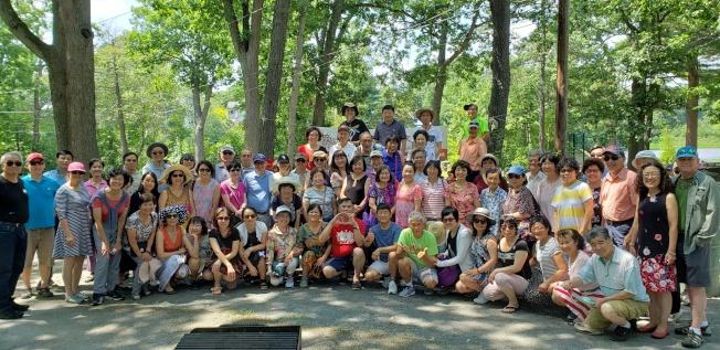 大波士頓區中華文化協會(GBCCA)日前在牛頓市Auburndale  Cove公園舉辦年度夏燒烤活動。(圖與文:記者唐嘉麗)