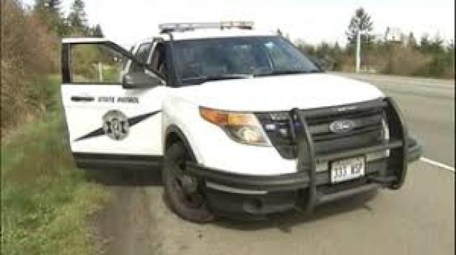 華盛頓州六名州警7日對福特汽車公司提出集體控告,指公司生產的巡邏車存在的設計瑕疵,導致他們一氧化碳中毒。(kiro7電視台截圖)