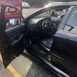 5歲童被鎖高溫車中 消防員破窗救人