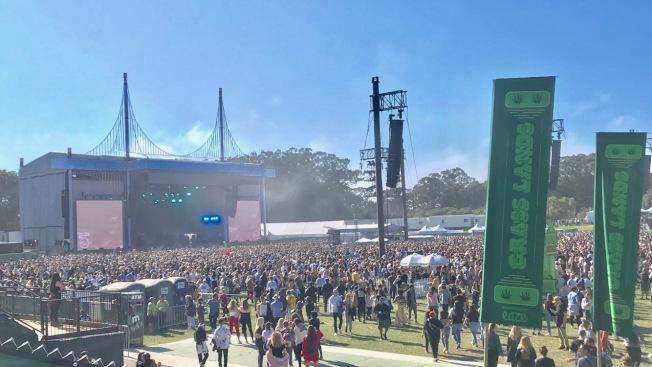 數以十萬計的民眾前往金門公園參加音樂節。(記者黃少華/攝影)