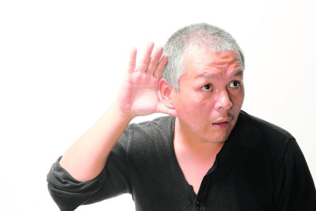 長輩若發現自己耳背,應及早求醫配戴合適的助聽器。(本報資料照片)