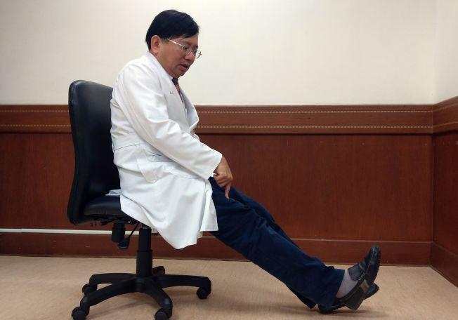 在家踮起腳尖,或坐在椅子上抬腳,只要能讓肌肉感覺到緊緊的,都是抗阻力運動。(本報資料照片)
