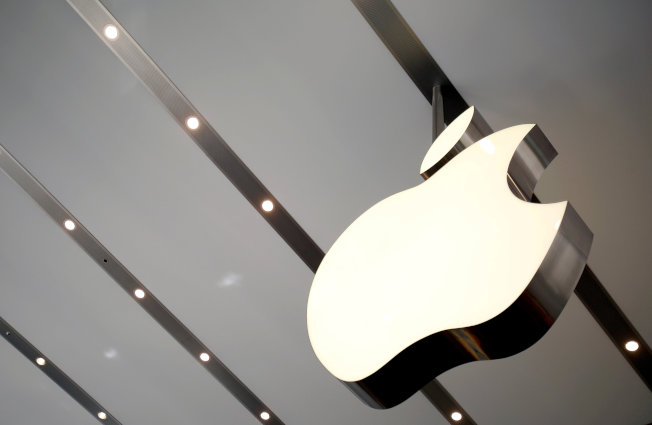 蘋果公司上一季被中國企業Oppo擠出前3大銷售寶座,在不斷萎縮的智慧型手機市場失寵。(路透)