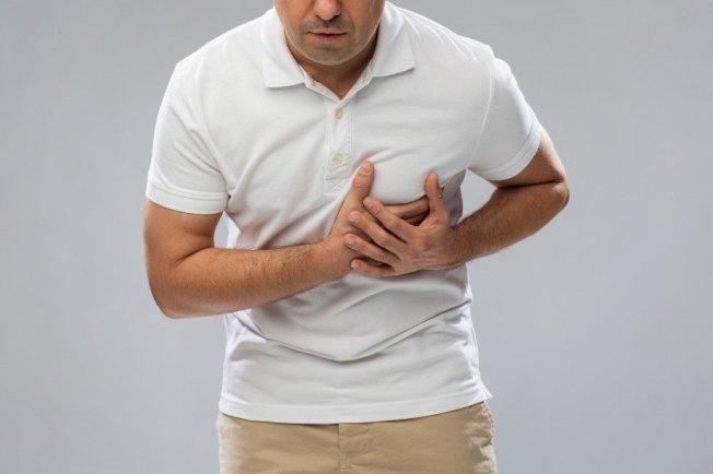 慢性血管阻塞會導致急性心肌梗塞。(取材自Ingimage)