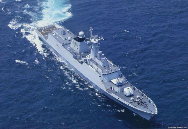 中共東海艦隊的054型「馬鞍山」號巡防艦,去年起經常擔任海峽中線巡弋任務。圖/引自大陸「海軍360」網站