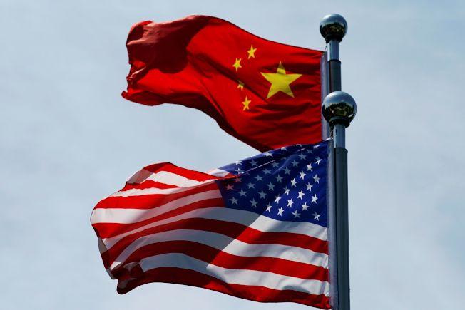 中國財政部今天首度發布對美國貨品課徵報復性關稅的豁免清單,雖未包括主要農產品,美國總統川普仍表示歡迎,並形容這個決定是「大動作」。路透