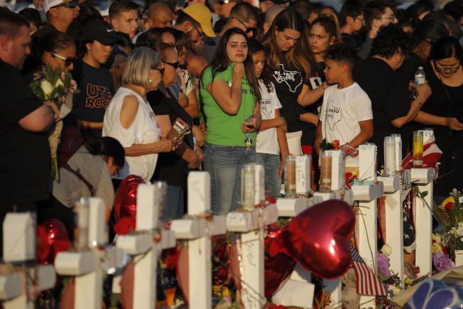 德州艾爾巴索購物中心槍案後,許多拉美裔擔心成為被攻擊的目標。(美聯社)