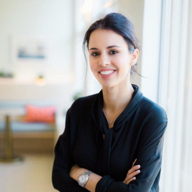翠娜‧史佩爾領光401(k)帳戶14萬元的積蓄創業,雖然因稅金和罰款實際只拿到7萬元,但她創辦公司的身價目前逾10億元,所以她認為很值得。( 取自推特)