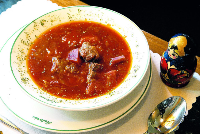 牛肉羅宋湯也深受華人喜愛。(本報社資料照片)