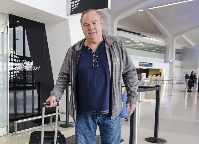 斯圖克自1983年成為聯合航空會員後,飛行距離超過3300萬公里,相當於繞地球884圈。圖擷自每日郵報