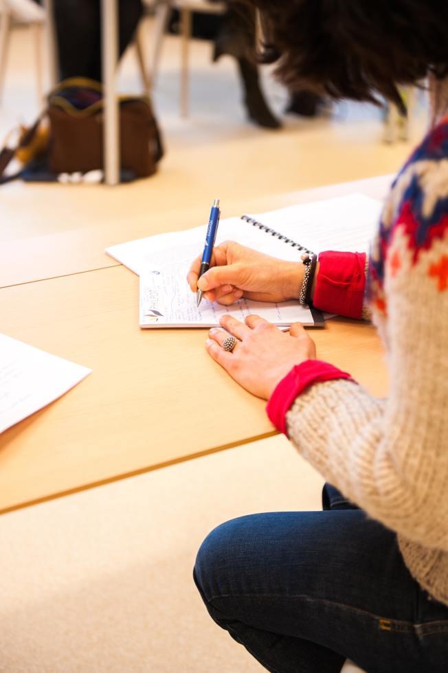 有些機構依據對學生的意見調查,進行大學評鑑排名。(Pexels)