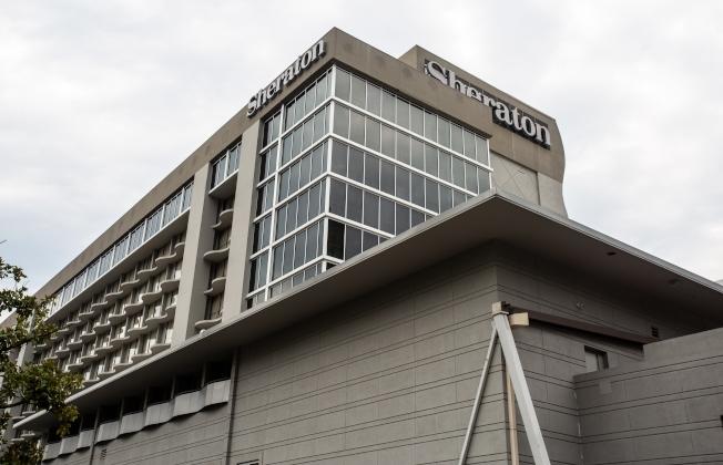 亞特蘭大的喜來登酒店7月供水不潔,導致多人感染肺部傳染病,其中一人死亡,旅館因此挨告。(美聯社)