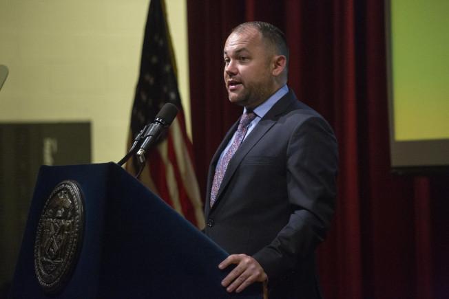 張晟強烈譴責聯邦政府新規,稱此舉將讓低收入移民家庭陷入困難,損害紐約市、州乃至全美的經濟。(市議會提供)