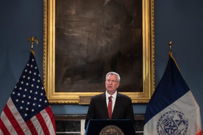 白思豪發表聲明稱,紐約市將針對聯邦政府新規訴諸法律,抗爭到底。(市長辦公室提供)