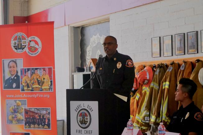 洛杉磯縣消防局局長Daryl Osby表示,消防局面臨嚴重消防員短缺、設備陳舊等問題,但受到資金不足影響,問題難以解決。(記者陳開/攝影)