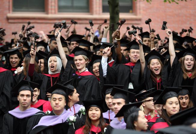 從哈佛大學畢業是許多人的夢想。(Getty Images)