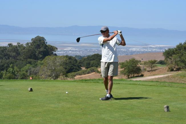 屋崙亞健社第九屆市長杯高爾夫球慈善錦標賽12日在海沃的TPC Stonebrae Country Club球場舉行。當天共籌集到善款17萬8000元,遠超原定10萬的目標。(記者劉先進/攝影)