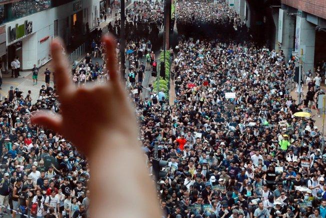 專家認為,香港已持續兩個月的抗議活動,最終可能對美國和全球市場造成深遠的衝擊。路透