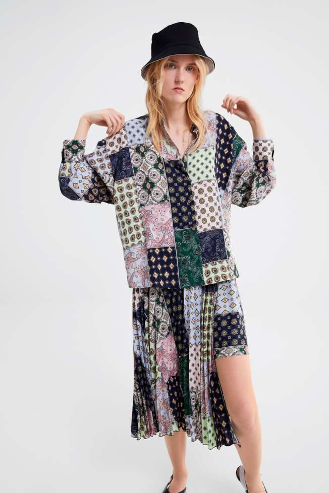 打印混搭的裙子。(Zara圖)