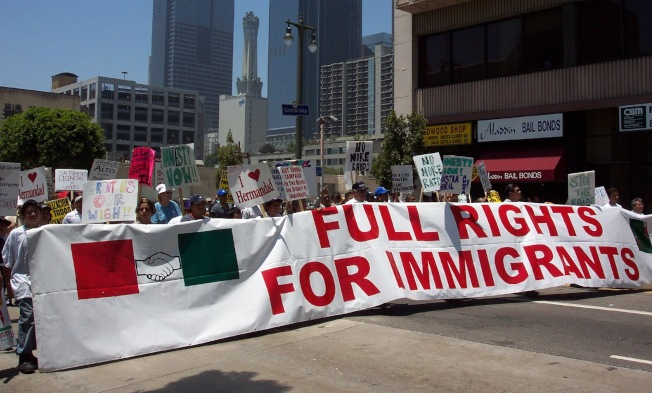 洛杉磯移民大遊行捍衛合法權利。(本報資料照)