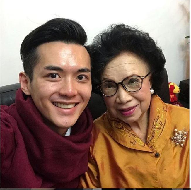 梁舜燕與孫子。(取材自Instagram)