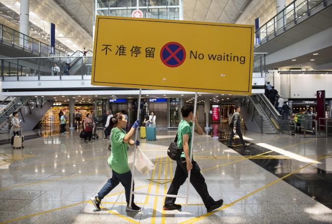香港法院颁布机场示威禁制令后,香港国际机场逐渐恢复秩序。(欧新社)