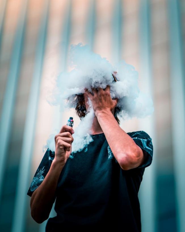 飯後一根菸,讓消化速度更減緩。(取材自pexels)