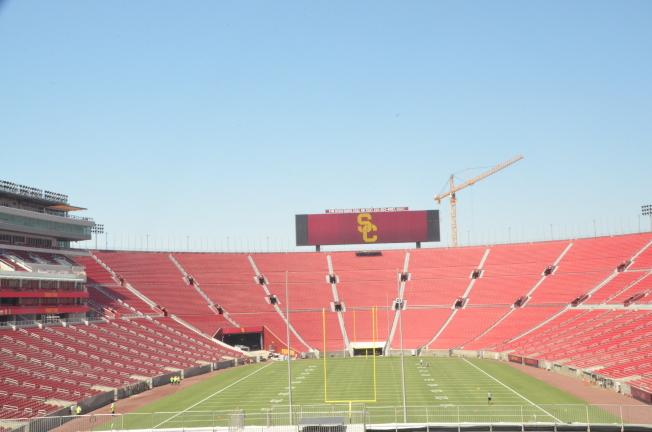 洛杉磯紀念體育館聯合航空球場耗資3億1500萬元完成翻新。(記者王全秀子/攝影)