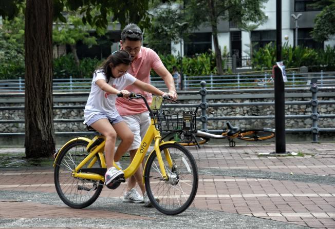 中國父母往往害怕孩子輸在起跑線上,成功的家長必須「捨得」孩子受到挫折。(Pexels)
