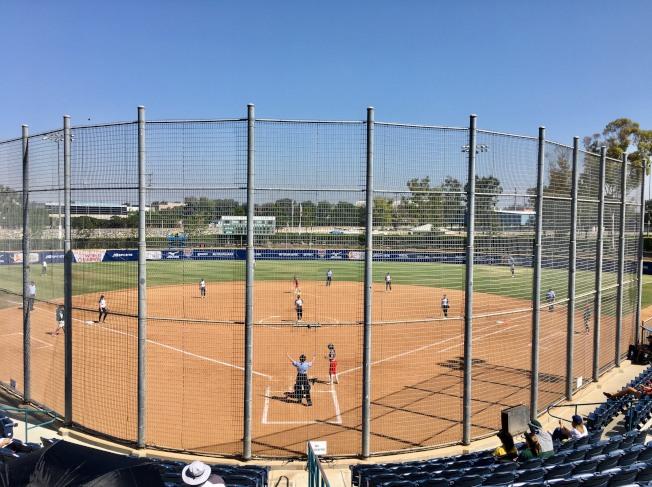 第十三屆世界棒壘球總會U-19女壘世界杯球賽在爾灣進行。(記者尚穎/攝影)