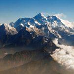 防珠峰又塞車 尼泊爾祭新規:要先爬過6500公尺高山
