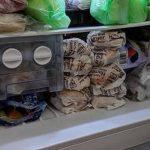 省錢男出奇招 大堆特價漢堡囤冰箱 網友神回一句話