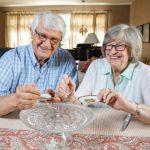 結婚蛋糕吃了49年 夫妻計畫用屑屑再做一個