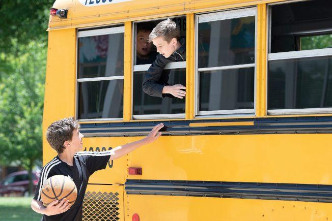 伊州愈來愈多學區提早開學。(美聯社)