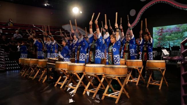 喜歌劇「天皇」在奧蘭多演出,奧蘭多太鼓隊開場。(劉程驥提供)