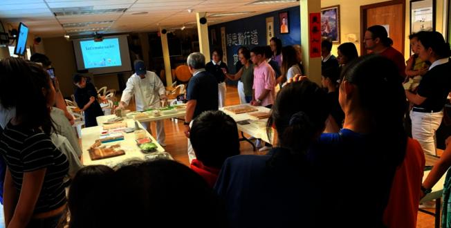 慈濟邁阿密慶祝吉祥月,包壽司素食活動現場一景。(Judy Su提供)